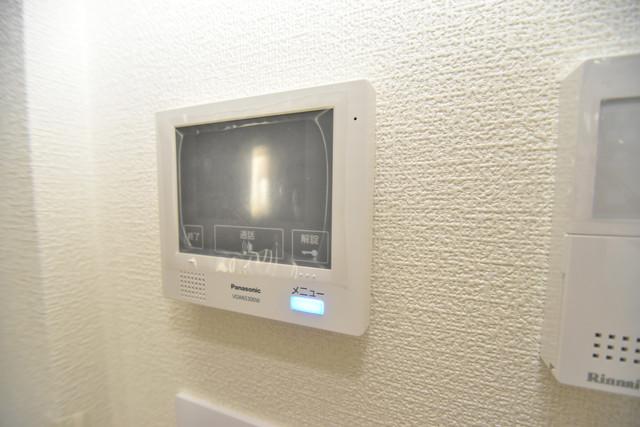 Charme Lacine(シャルム ラシーネ) TVモニターホンは必須ですね。扉は誰か確認してから開けて下さいね