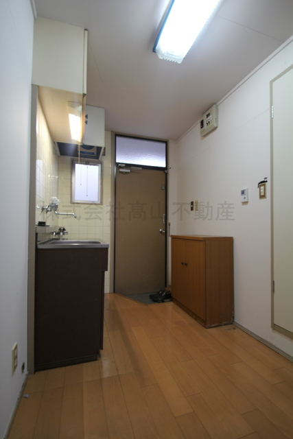 https://image.rentersnet.jp/4ead379c-a430-42e2-856d-3555d4789b1d_property_picture_3193_large.jpg
