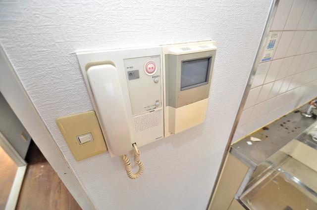 ヴェルドミール舎利寺 TVモニターホンは必須ですね。扉は誰か確認してから開けて下さいね