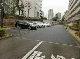 シティコート目黒3棟駐車場