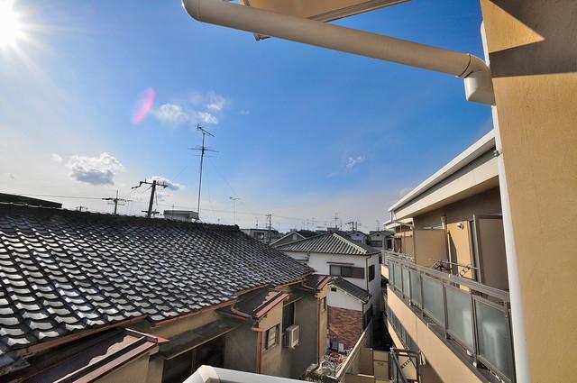 セレブ上小阪 バルコニーは眺めが良く、風通しも良い。癒される空間ですね。