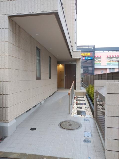 (シニア限定)ヘーベルタウン花小金井エントランス