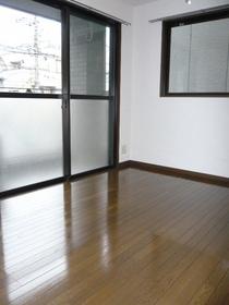 ラ・グレイス 201号室