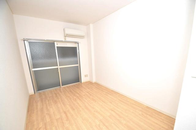 ランド雅 シンプルな単身さん向きのマンションです。