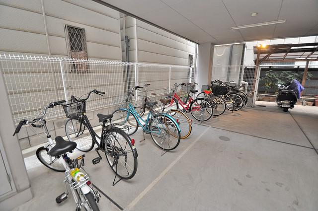 アビテ 敷地内には専用の駐輪スペースもあります。