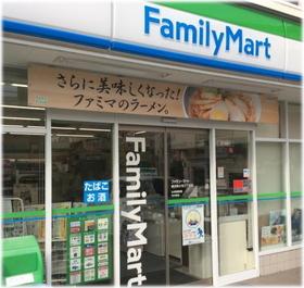 ファミリーマート横浜神大寺三丁目店