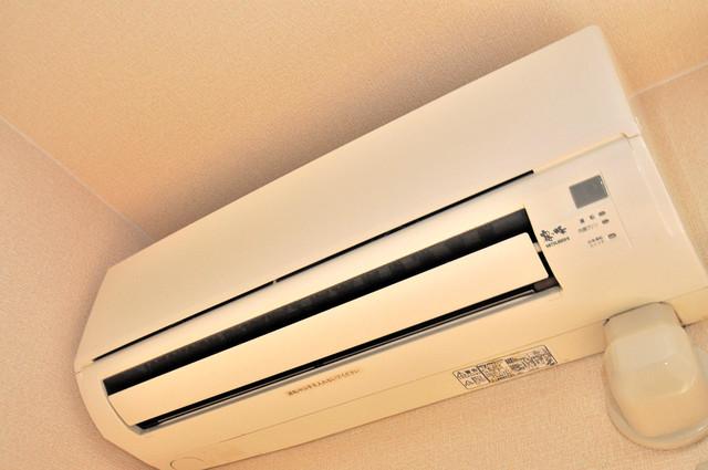 カーサ・エクレール A棟 エアコンが最初からついているなんて、本当にうれしい限りです。