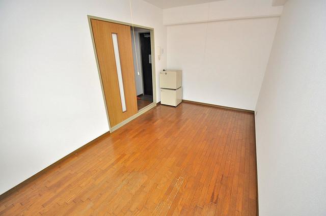 エンゼルハイツ小阪本町 落ち着いた雰囲気のこのお部屋でゆっくりお休みください。