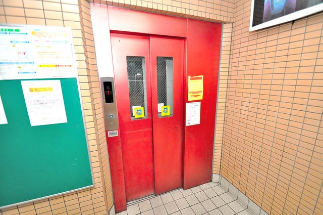 イマザキマンションエヌワン 嬉しい事にエレベーターがあります。重い荷物を持っていても安心