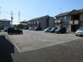https://image.rentersnet.jp/50bb9e11-9241-48e0-838a-9383ec9eb209_property_picture_9494_large.jpg_cap_駐車場