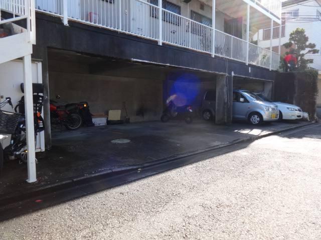 ハイツカオリ I駐車場