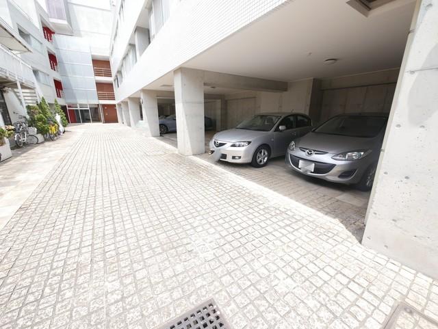 オズコート駐車場