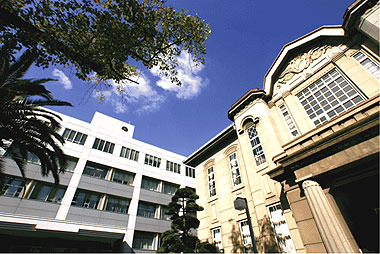 メロディーハイム小阪 私立大阪樟蔭女子大学