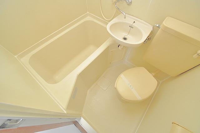 新星ビル上小阪 お風呂・トイレが一緒なのでお部屋が広く使えますね。