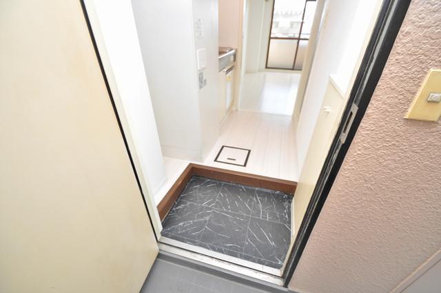 サンパレス布施 素敵な玄関は毎朝あなたを元気に送りだしてくれますよ。