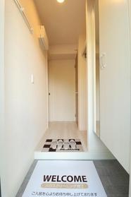 https://image.rentersnet.jp/5176023c-8376-4a1b-9134-9da6b2f7b084_property_picture_9494_large.jpg_cap_玄関
