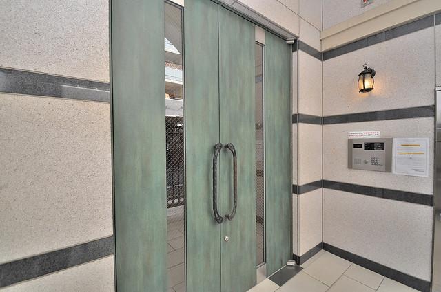 サイプレス小阪駅前 嬉しい事にエレベーターがあります。重い荷物を持っていても安心