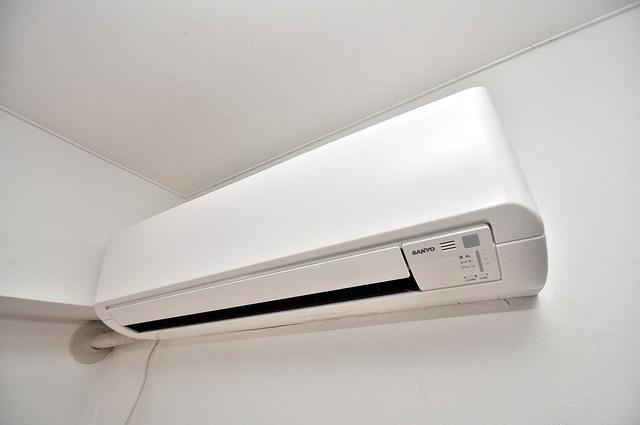 小若江ハイツ エアコンが最初からついているなんて、本当に助かりますね。