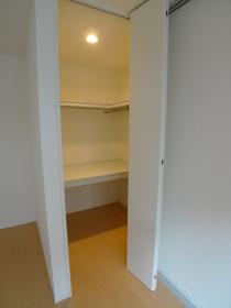 カサベルデA館 102号室