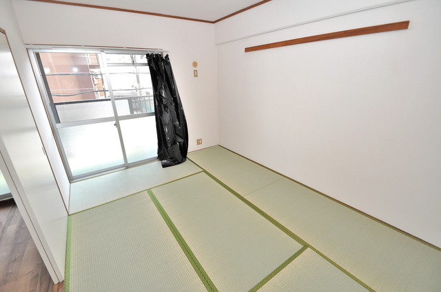 フローラ長田 和室が2間あるので、とてもゆったりとしていますよ。
