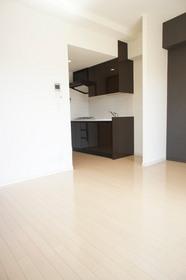 https://image.rentersnet.jp/52612fd50978797d3fb3f074a0ecb9f8_property_picture_961_large.jpg_cap_居室