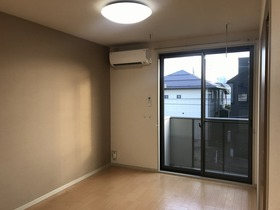 https://image.rentersnet.jp/5267317c-1919-4aa7-8ec3-0c0ce1c3f504_property_picture_959_large.jpg_cap_居室