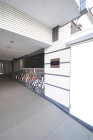 菊川駅 徒歩18分エントランス