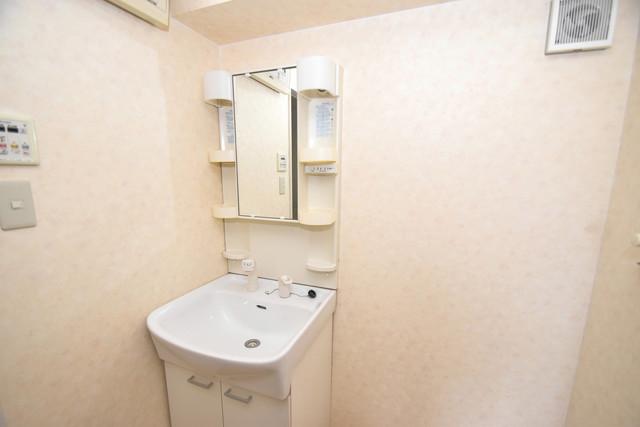 カインド高井田 独立した洗面所には洗濯機置場もあり、脱衣場も広めです。