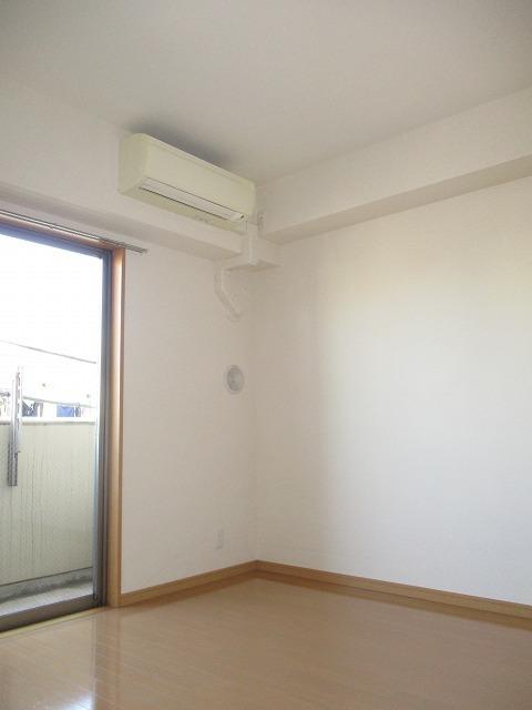 ティーリーフ横浜レジーナ居室