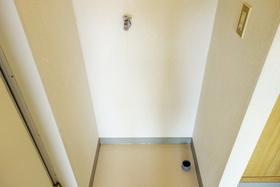 https://image.rentersnet.jp/5360306e-19af-4a31-b11b-100845568430_property_picture_955_large.jpg_cap_室内洗濯機置き場あります