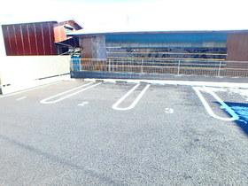 クラール駐車場