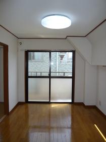 ハイパールマンション�U 401号室