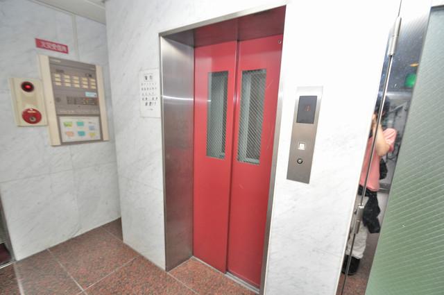 パウゼ布施 エレベーター付き。これで重たい荷物があっても安心ですね。