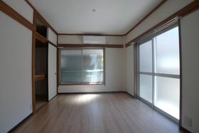 オサダハウス 102号室