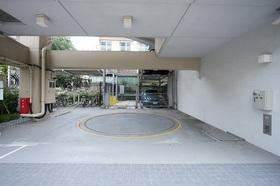 レジディア恵比寿南駐車場