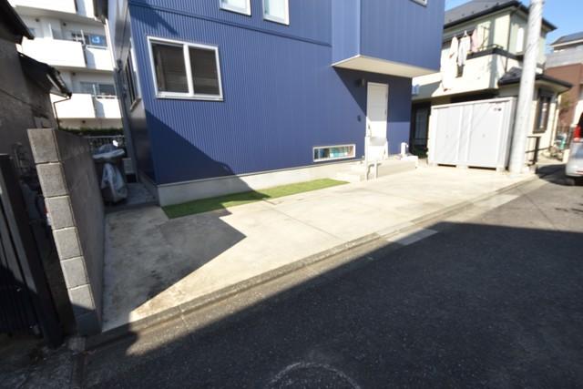 島貸家駐車場