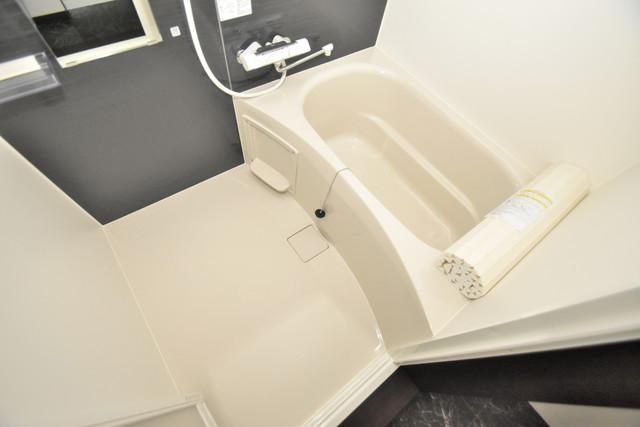 ラージヒル長瀬EAST ちょうどいいサイズのお風呂です。お掃除も楽にできますよ。