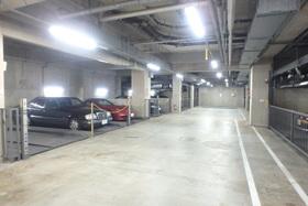 パルテール目黒青葉台駐車場