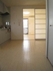 https://image.rentersnet.jp/54993e4a-6945-4ec6-8edf-412f458ef294_property_picture_953_large.jpg_cap_居室