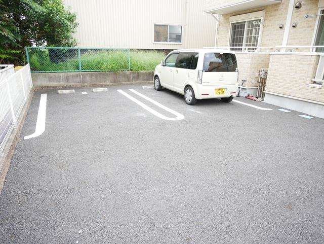 プラシード21駐車場