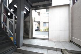 駒場東大前駅 徒歩7分エントランス