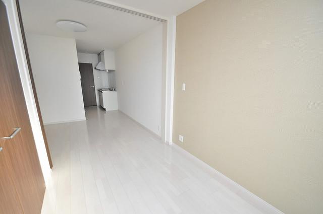 Fmaison verdeⅡ(エフ メゾン ベルデ) 白を基調としたリビングはお部屋の中がとても明るいですよ。