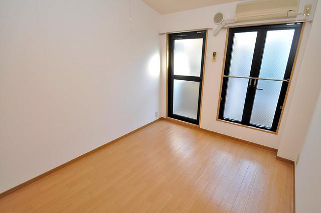 ロンモンターニュ小阪 2面からの採光なので、とにかく室内が明るいです。