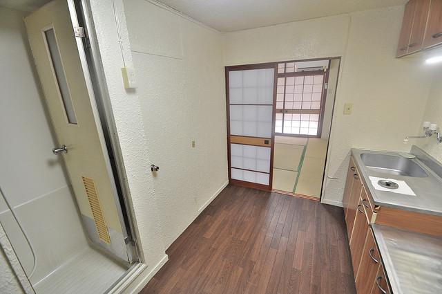 長栄寺第5コープ 明るいお部屋は風通しも良く、心地よい気分になります。