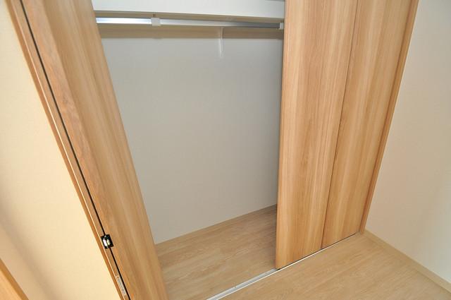 K.Bld もちろん収納スペースも確保。お部屋がスッキリ片付きますね。