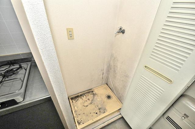 ブルーメンハウス 室内に洗濯機置き場があれば雨の日でも安心ですね。