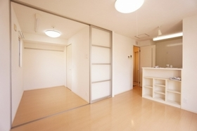 https://image.rentersnet.jp/568ad08e-8140-4fcb-ba80-afafff1f1988_property_picture_9494_large.jpg_cap_居室