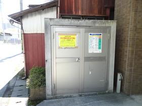 https://image.rentersnet.jp/56971c935f954c51670b345d7c13dfa2_property_picture_1992_large.jpg_cap_ゴミステーション