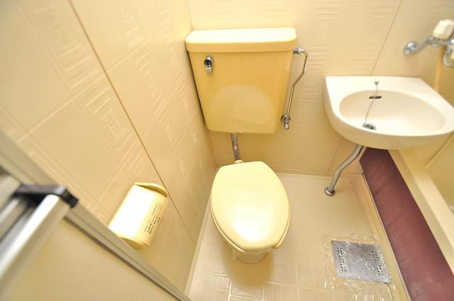 フローラ ラポルテ 清潔感のある爽やかなトイレ。誰もがリラックスできる空間です。