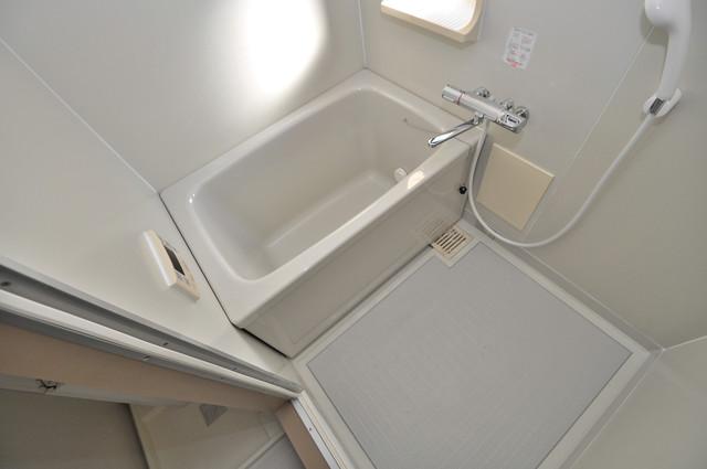 サンビレッジ・ラポール 広めのお風呂は一日の疲れを癒してくれます。